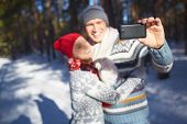 pic of amor  - Amorous young couple making their selfie in natural environment - JPG