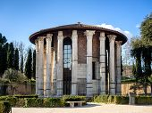 pic of hercules  - The Temple of Hercules Victor in the area of the Forum Boarium in Rome - JPG