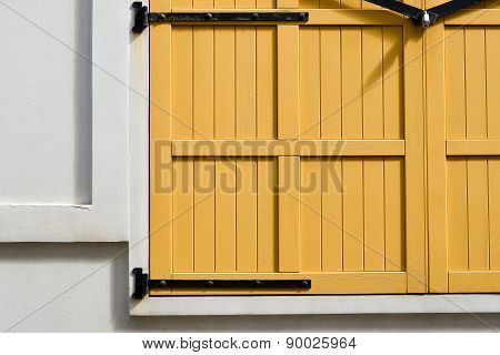 Window With Blinds Closed Seen By The Exterior