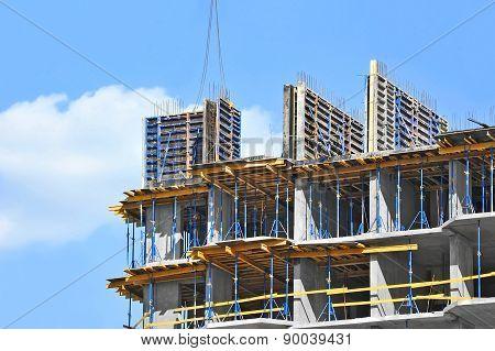 Crane hoisting formwork