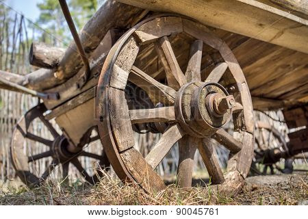 Old Wooden Waggon Dray Weels