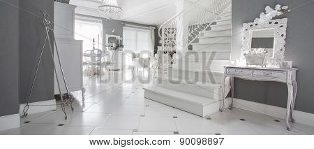Luxury White Entrance Hall