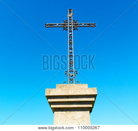 Catholic     Abstract Sacred  Cross In Italy Europe And The Sky Background