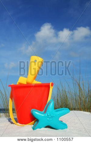 Pala y cubo de playa