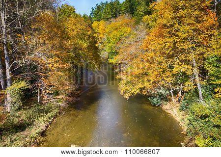 Linnville River Flowing Through Blue Ridge Mountains Valleys