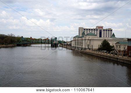 Harrah's Casino and the Cass Street Bridge