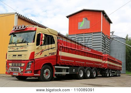 Volvo FH16 750 For Grain Transport