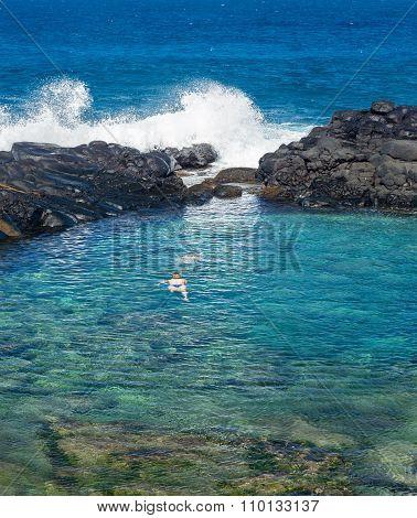 Tourists At Queens Beach Princeville Kauai