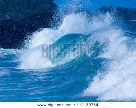 Powerful Waves Break At Lumahai Beach, Kauai