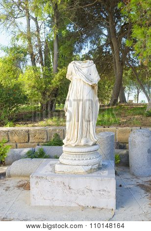 The Antique Statue