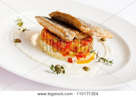 fried carp with mashed potatoes