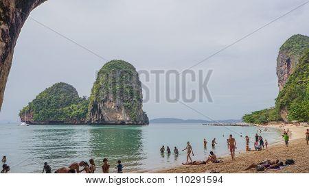 Railay, Thailand - Circa December 2012 - Crowds At Princess Beach In Railay