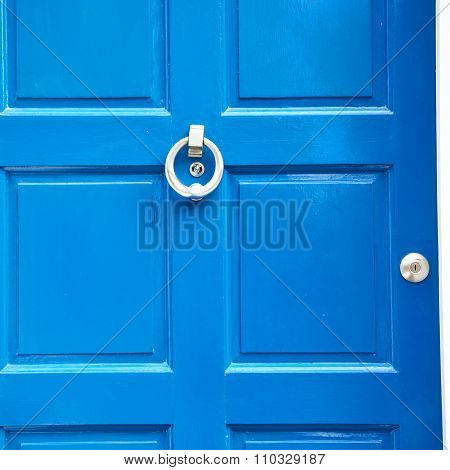 Blue Handle In London Antique Brown Door  Rusty  Brass Nail And Light