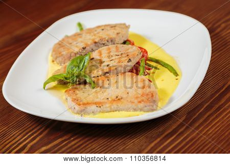 Delicious, wholesome food. Chops with vegetables.
