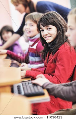 Es Bildung mit Kindern in der Schule