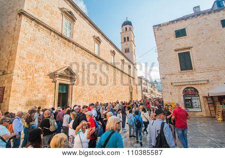 Tourists walking on Stradun in Dubrovnik, Croaita