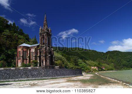 Chapel on the Furnas lake