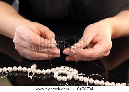 Creating jewelry with pearls
