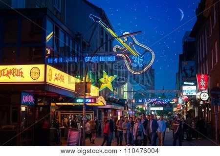 At Night On The Reeperbahn
