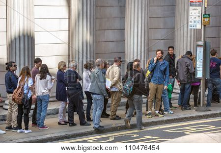 LONDON UK - SEPTEMBER 19, 2015: Queue on the Bank street. People waiting to see Bank of England in o