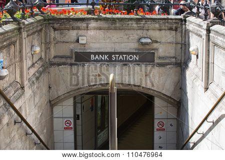 LONDON UK - SEPTEMBER 19, 2015: Bank of England underground station entrance