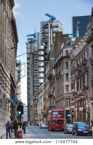LONDON UK - SEPTEMBER 19, 2015: Bank of England street view with Lloyd's building