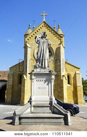 The Collegiate Church And The Statue
