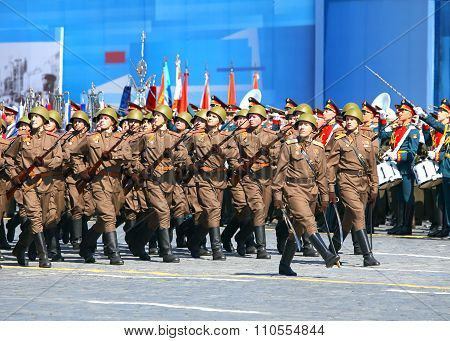 MOSCOW - MAY 7: Parade formation in solemn march on Red Square -  on May 7, 2015 in Moscow