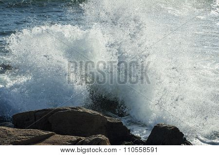 Wave Breaking On Rocks