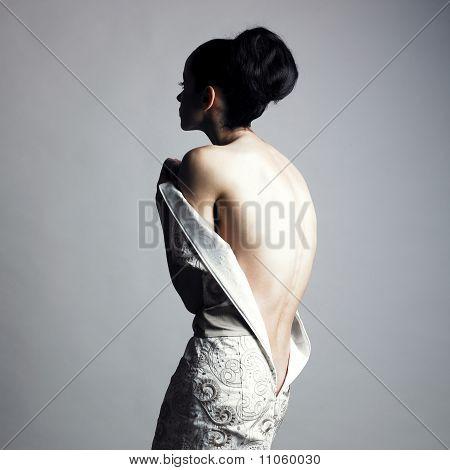 ausziehen elegante Dame