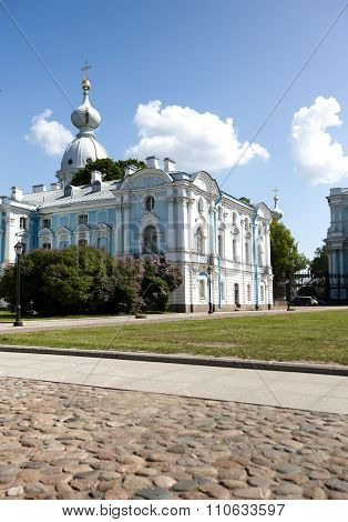 Smolnyi cathedral (Smolny Convent) St . Petersburg