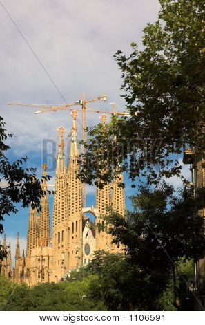 Sagrada Familia In Barcelona By Antoni Gaudi - Gorizontal