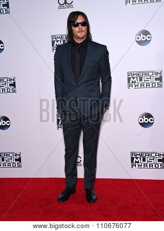 LOS ANGELES - NOV 22:  Norman Reedus arrives to the American Music Awards 2015  on November 22, 2015 in Los Angeles, CA.