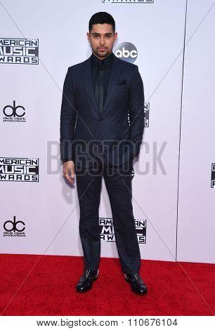 LOS ANGELES - NOV 22:  Wilmer Valderrama arrives to the American Music Awards 2015  on November 22, 2015 in Los Angeles, CA.