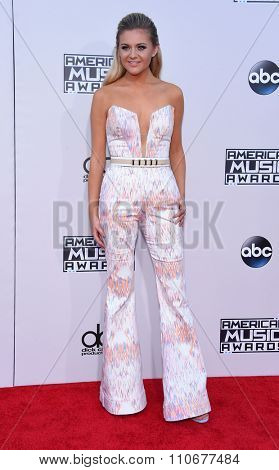LOS ANGELES - NOV 22:  Kelsea Ballerini arrives to the American Music Awards 2015  on November 22, 2015 in Los Angeles, CA.