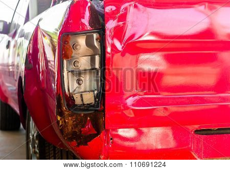 Tail Light Of Pick-up Car Damage Car By Accident