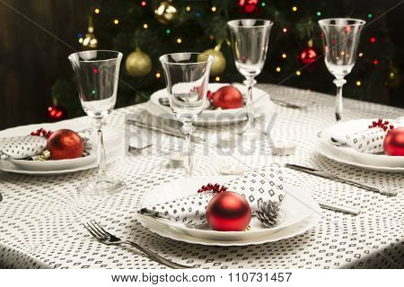 Christmas Dinner Table. Traditional Christmas Decorations. Served Table In A Restaurant. Beautifully