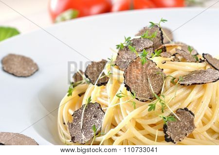 Spaghetti with fresh truffle