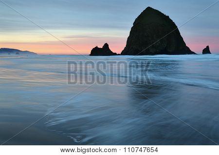 Haystack Rock, Cannon Beach, Oregon Sunrise