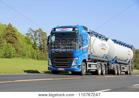 Volvo FH Tank Truck In High Speed