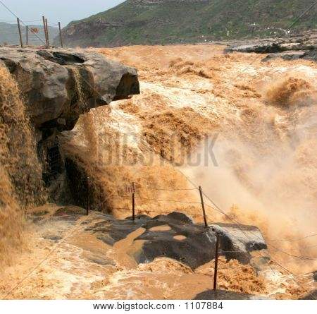 Hukou Waterfall 2