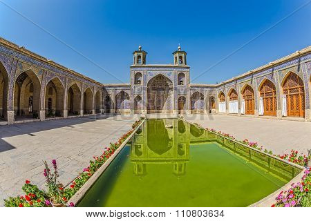 Nasir al-Mulk Mosque pool fisheye