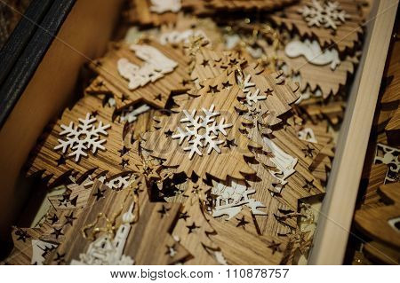 Wooden Christmas Tree With Snowflake
