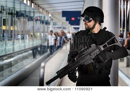 Airport Security, Armed Police