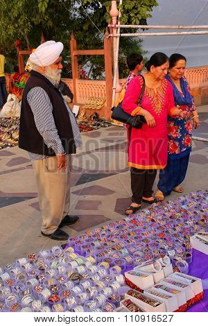 Jaipur, India - November 13: Unidentified People Shop For Bracelets On November 13, 2014 In Jaipur,