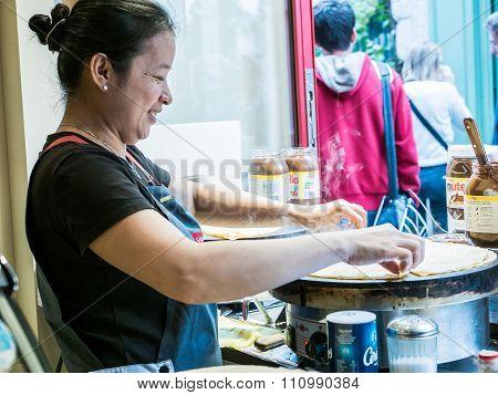 Crepe Cook On Montmartre, Paris
