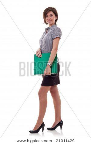 Exitosa mujer de negocios con una carpeta