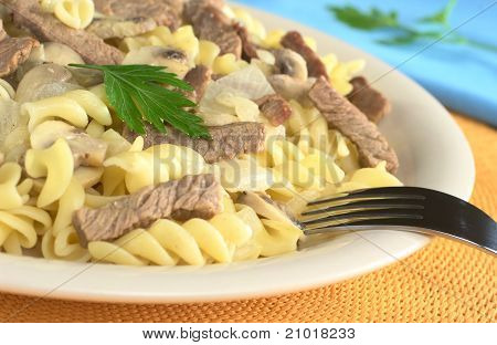 Veal Strips and Mushrooms with Pasta