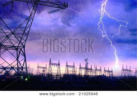Estação de distribuição de energia com relâmpago.