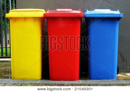 Colourful recycle bin